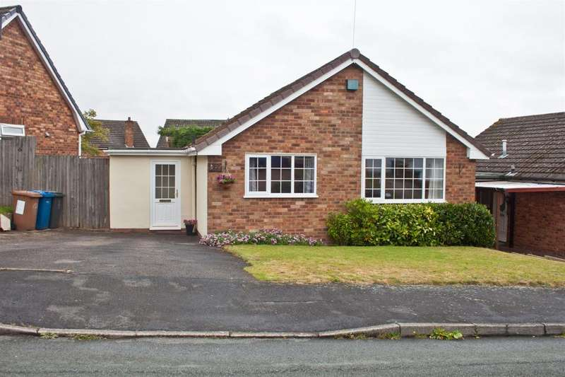 2 Bedrooms Detached Bungalow for sale in Thornfield Crescent, Burntwood, WS7 2JB