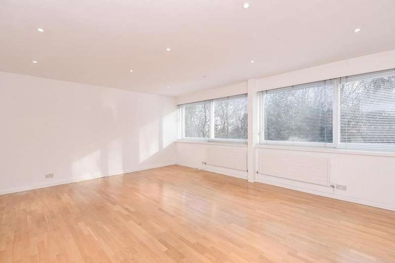 3 Bedrooms Terraced House for sale in Swains Lane, Highgate