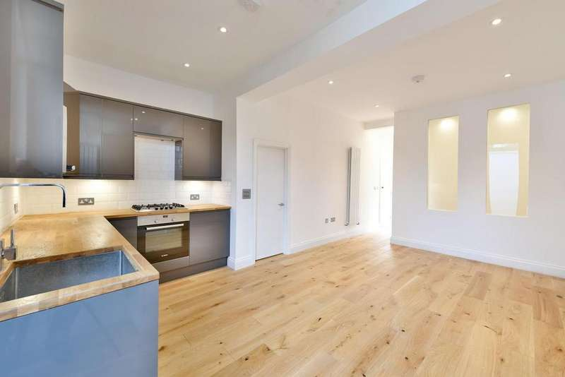 2 Bedrooms Flat for sale in Gleneagle Road, Streatham
