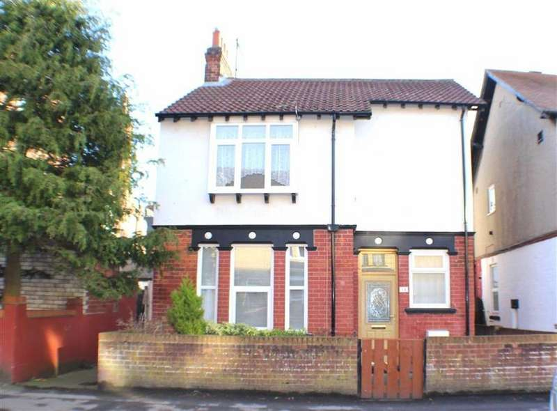 2 Bedrooms Detached House for sale in Midway Avenue, Bridlington, East Yorkshire