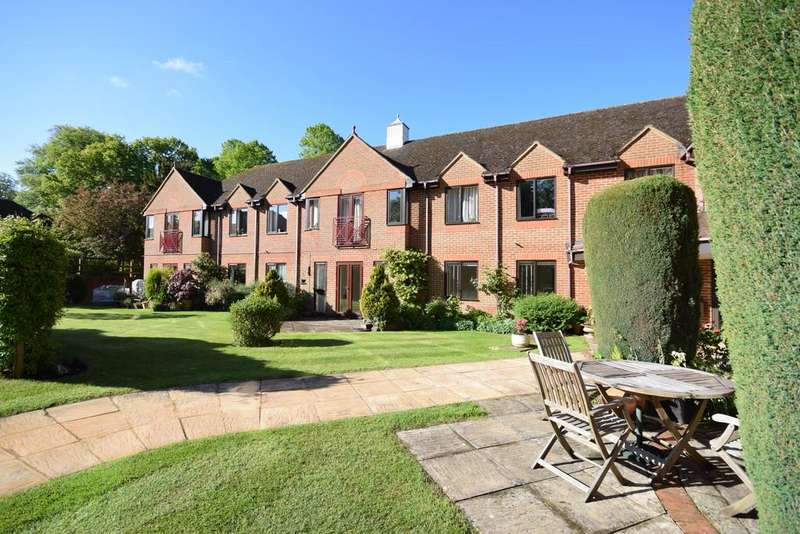 2 Bedrooms Apartment Flat for sale in Ashley Gardens, Shalford, Guildford GU4 8JA