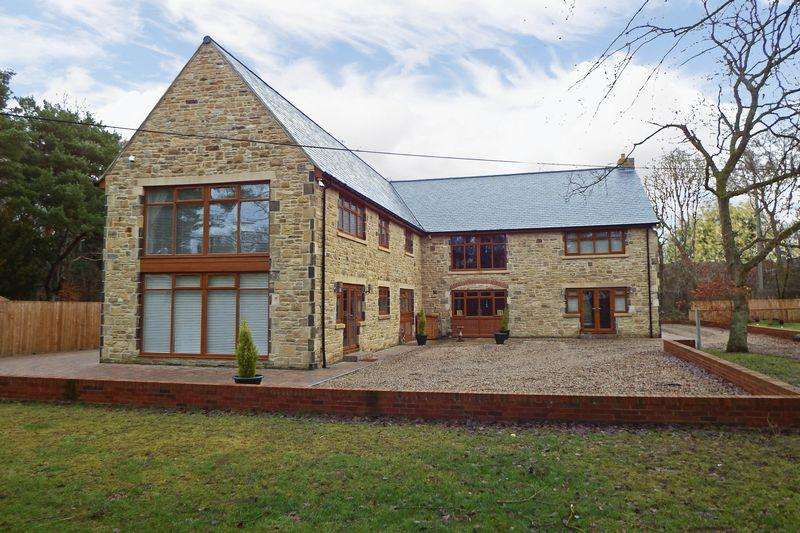 6 Bedrooms Detached House for sale in Officials Terrace, Durham