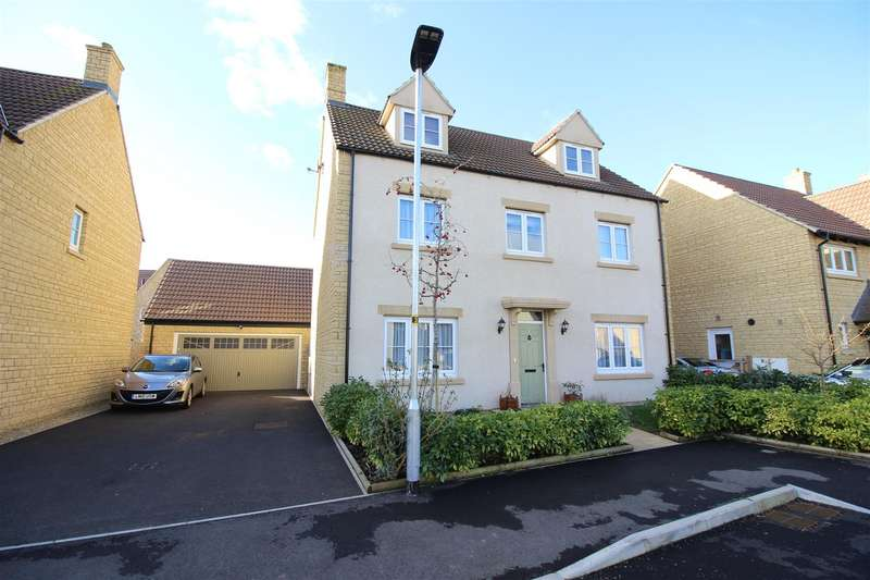5 Bedrooms Detached House for sale in Barrington Court, Sutton Benger, Chippenham