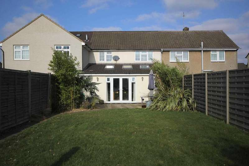 3 Bedrooms House for sale in EXTENDED and WELL PRESENTED 3 BED family home in HP3