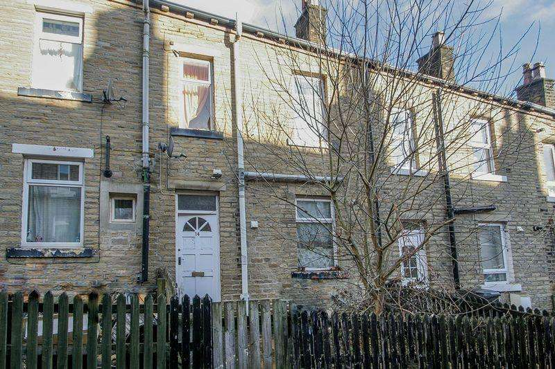 2 Bedrooms Terraced House for sale in Claremont Street, Sowerby Bridge