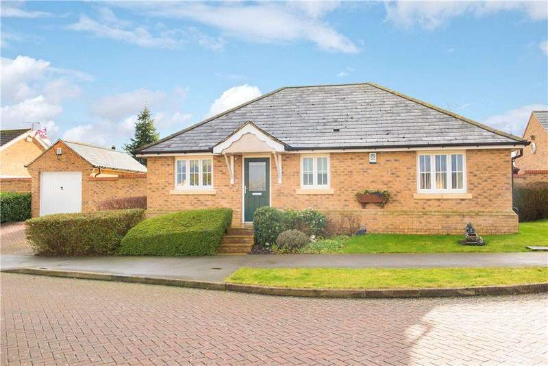 3 Bedrooms Detached Bungalow for sale in Canons Close, Wootton, Bedford, Bedfordshire