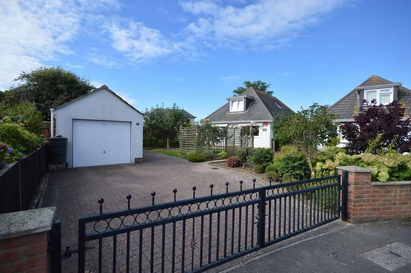 3 Bedrooms Detached Bungalow for sale in Pine Close, Barton on Sea