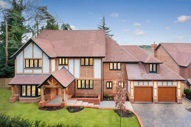 5 Bedrooms Detached House for sale in Butterfly Walk, Warlingham