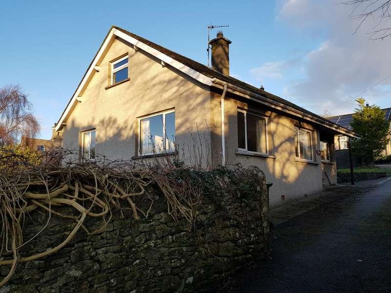 2 Bedrooms Detached Bungalow for rent in Main Street, Bardsea, Ulverston