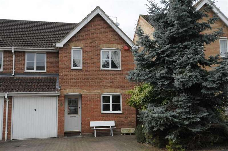 4 Bedrooms Semi Detached House for sale in Darlands Drive, Barnet, Herts, EN5