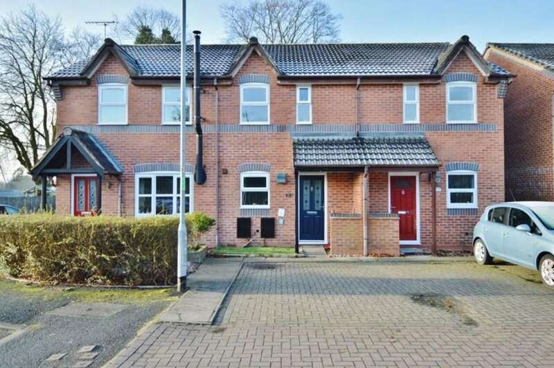 2 Bedrooms Mews House for sale in Chestnut Grove, Stone