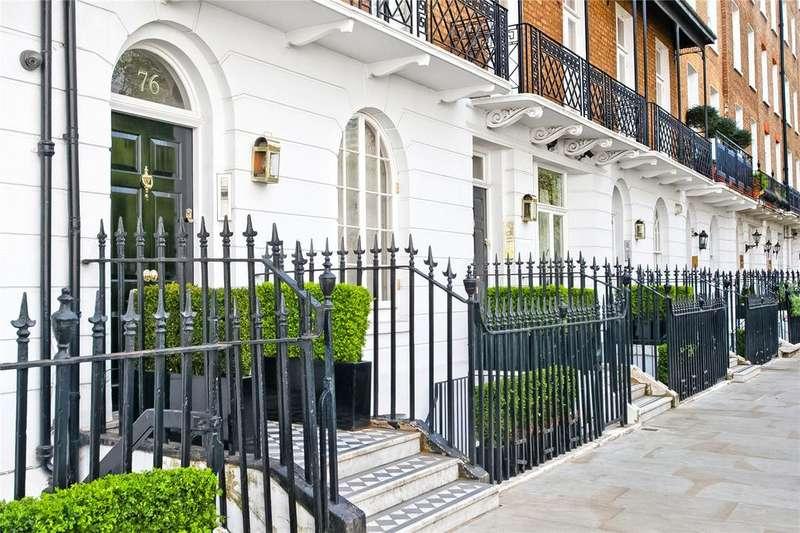 3 Bedrooms Flat for sale in Cadogan Place, Knightsbridge, London