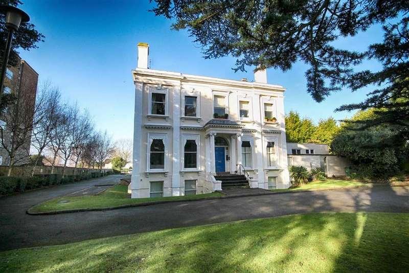 3 Bedrooms Flat for sale in Evesham Road, Pittville, Cheltenham, GL52