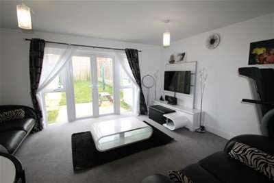 3 Bedrooms House for rent in Pinson Way - Orpington