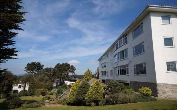 3 Bedrooms Flat for sale in 30 Nairn Road, Canford Cliffs, Poole, Dorset, BH13