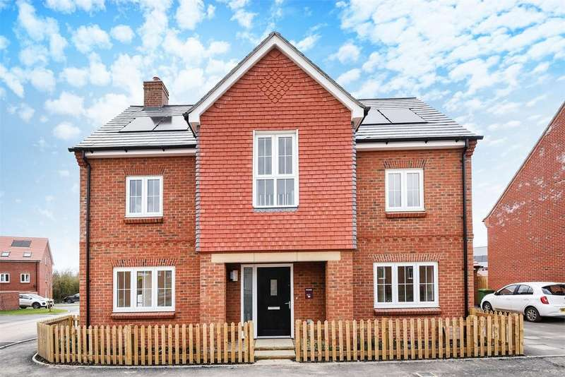 4 Bedrooms Detached House for sale in Crowdhill Green, Fair Oak, Eastleigh, Hampshire