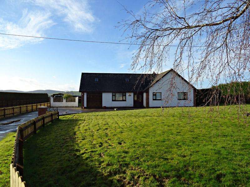 4 Bedrooms Detached Bungalow for sale in DARJON, 4A BARNHILL, HARDTHORN ROAD, DUMFRIES DG2 9TQ