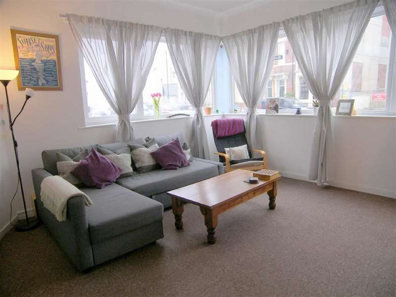 1 Bedroom Flat for sale in Dove House, Cullercoats, Tyne & Wear, NE30