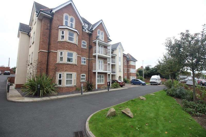 2 Bedrooms Apartment Flat for sale in Whitegate Drive, Blackpool