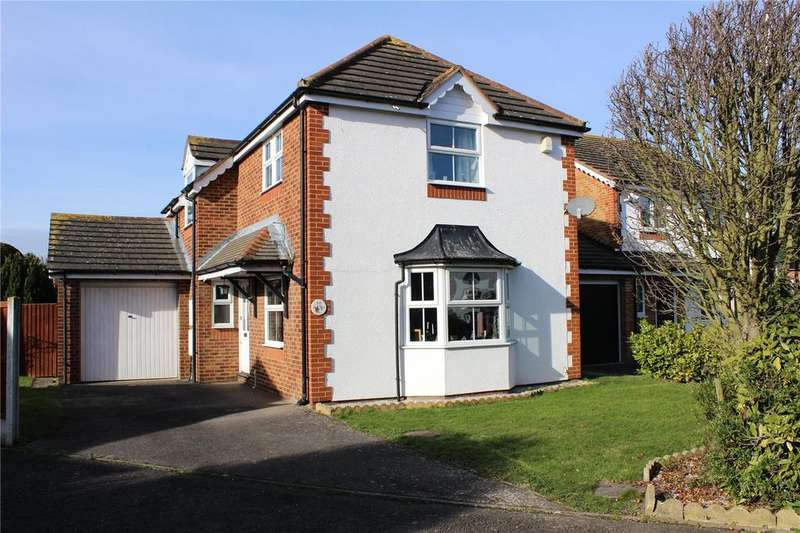 3 Bedrooms Detached House for sale in Pett Close, Hornchurch, RM11