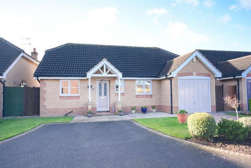 2 Bedrooms Detached Bungalow for sale in High Meadow, Tollerton, Nottingham