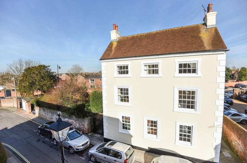 7 Bedrooms Detached House for sale in West Street, Emsworth, PO10