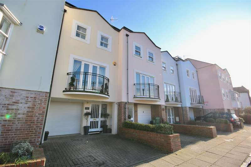 4 Bedrooms Town House for sale in White Hart Road, OLD PORTSMOUTH, Hampshire