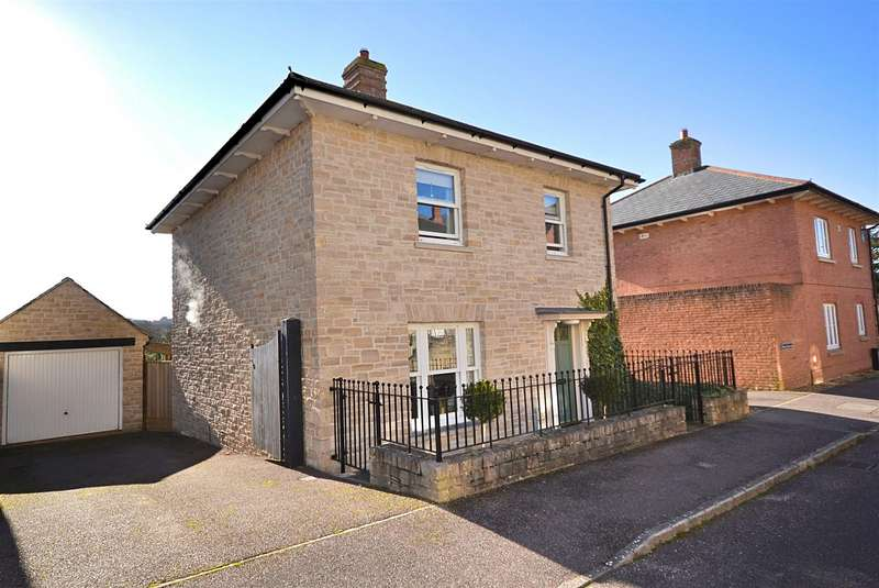 3 Bedrooms Detached House for sale in Houndsell Way, West Allington, Bridport
