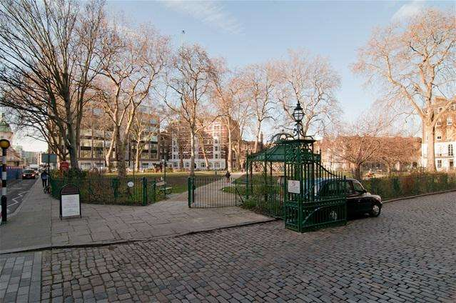 2 Bedrooms Flat for sale in One Charterhouse Square, London