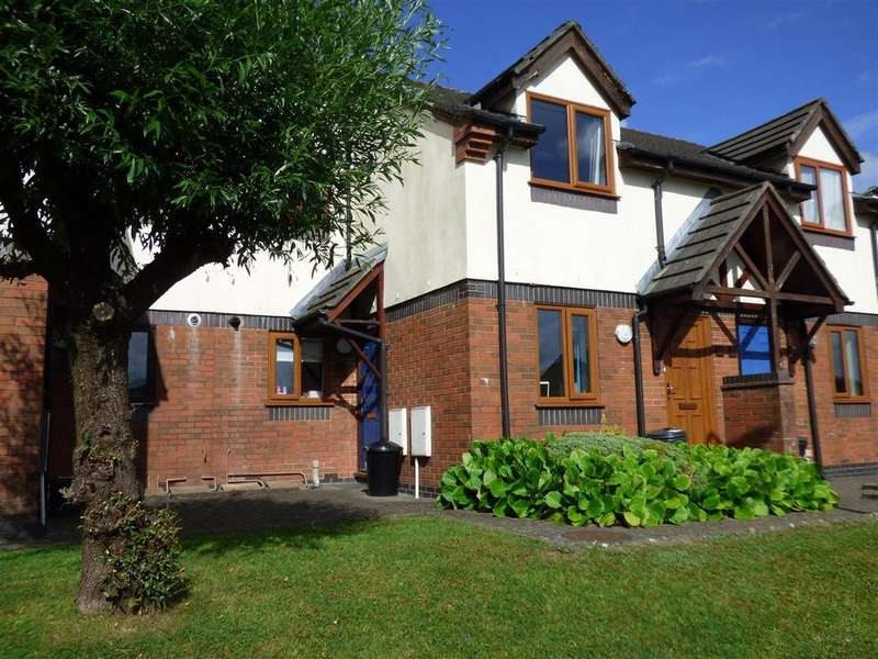 2 Bedrooms Flat for sale in Waun Burgess, Carmarthen