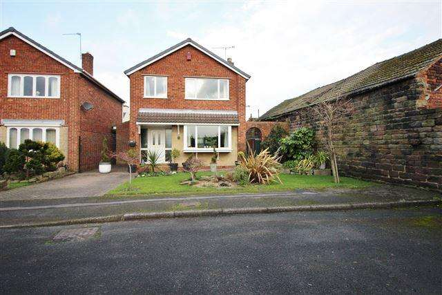3 Bedrooms Detached House for sale in Chatsworth Close , Aston, Sheffield , S26 2GA