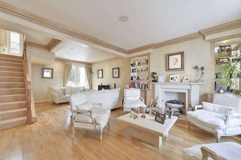 3 Bedrooms Terraced House for sale in Bramerton Street, London, SW3