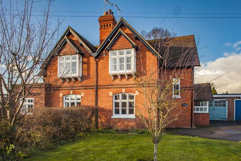 3 Bedrooms Cottage House for rent in Cricketers Cottage, Goring on Thames, RG8