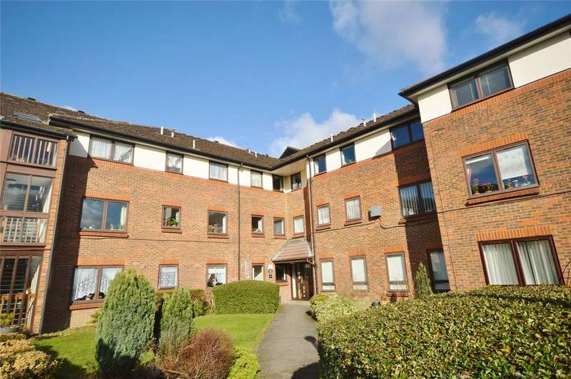 2 Bedrooms Apartment Flat for sale in Beken Court, First Avenue, Watford, Hertfordshire, WD25
