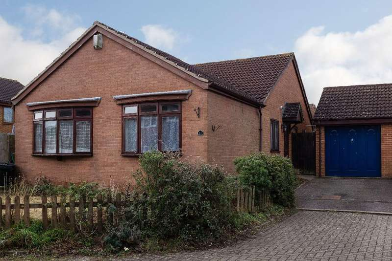 3 Bedrooms Detached Bungalow for sale in CHERRY ORCHARD, OLNEY