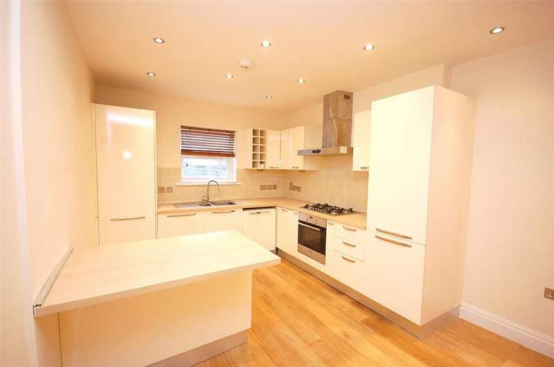 2 Bedrooms Apartment Flat for sale in Squires Lane, Finchley, London, N3