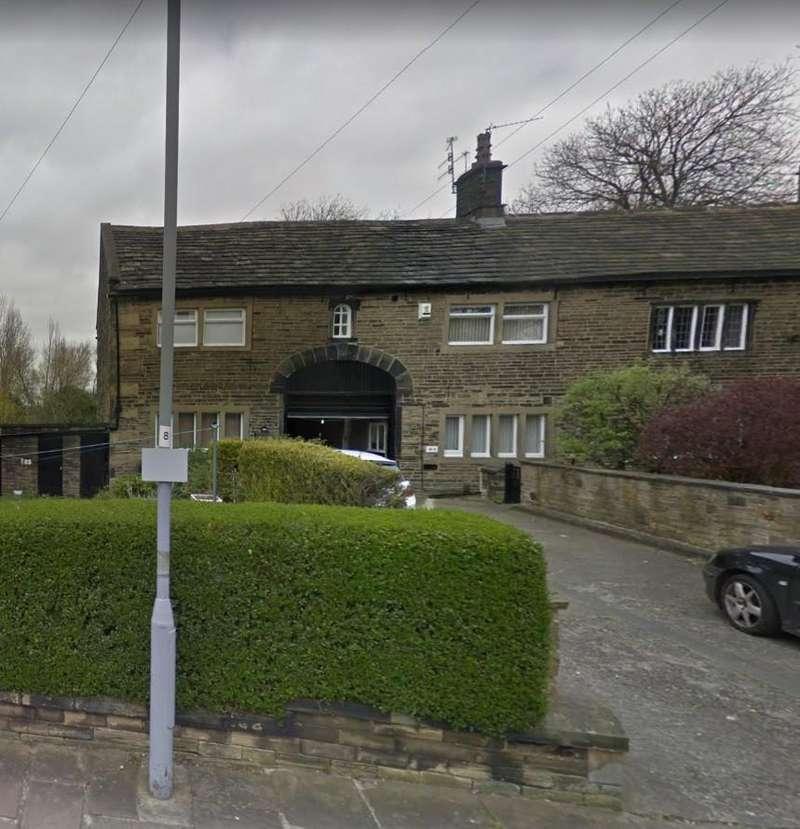 2 Bedrooms Flat for rent in Little Horton Green, Bradford, BD5