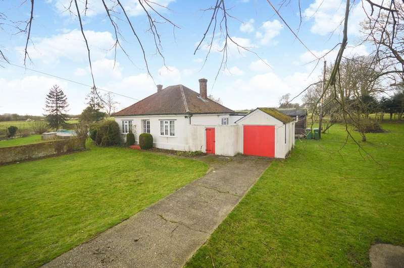 3 Bedrooms Bungalow for sale in Sellindge, TN25