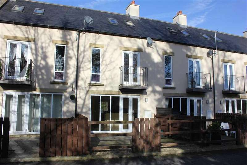 3 Bedrooms Terraced House for sale in Mill Top, Richmond, North Yorkshire