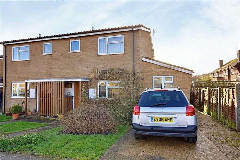 3 Bedrooms Semi Detached House for sale in Barley Croft, Bengeo, Herts, SG14