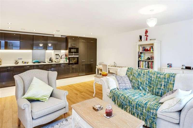2 Bedrooms Flat for sale in Swinton Court, Mere Road, Dunton Green, Sevenoaks, TN14