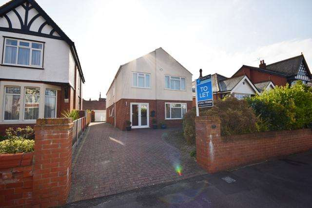 4 Bedrooms Detached House for rent in York Road, Lytham St Annes, FY8