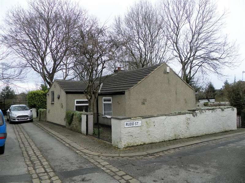 2 Bedrooms Detached House for sale in Rudd Street, Great Horton, BD7 3LH