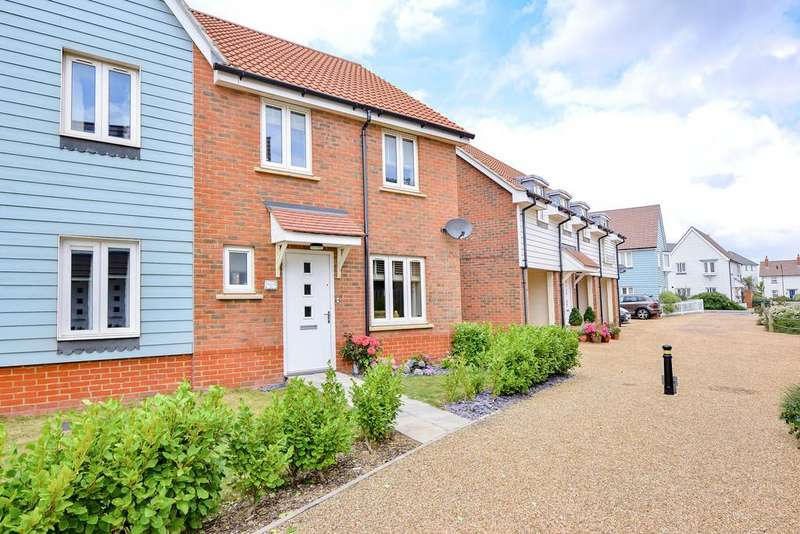 3 Bedrooms Semi Detached House for sale in Sea Holly Walk, Whitesands, Camber, East Sussex TN31 7UW