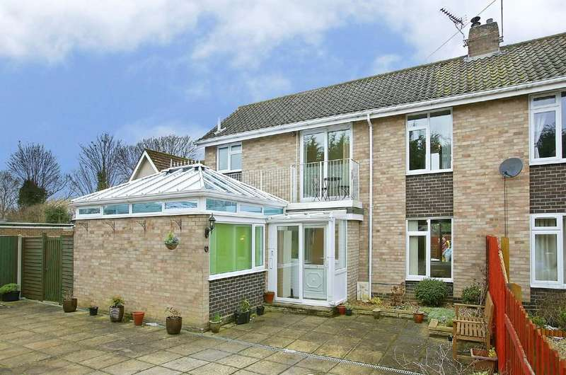 4 Bedrooms Semi Detached House for sale in Sheldrick Place, Toftwood