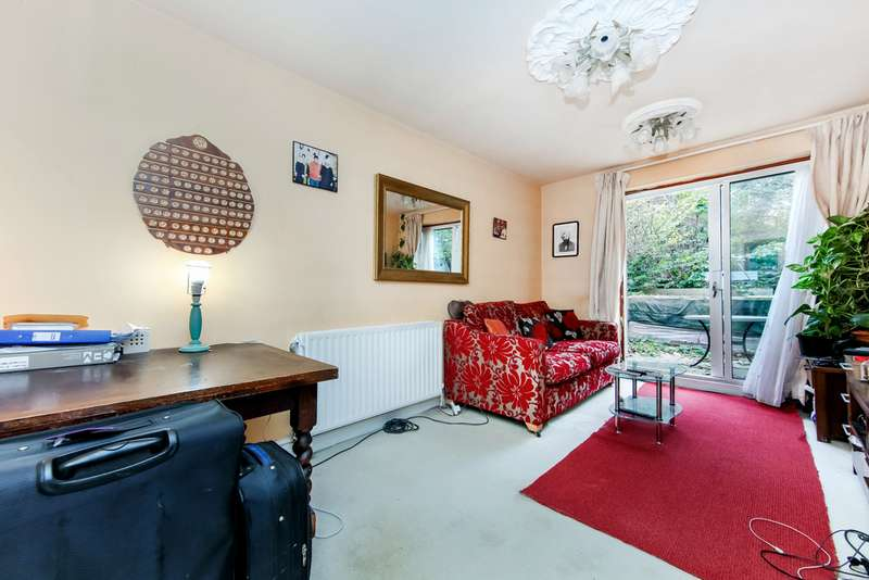 1 Bedroom Property for sale in Longley Road, Tooting, London SW17