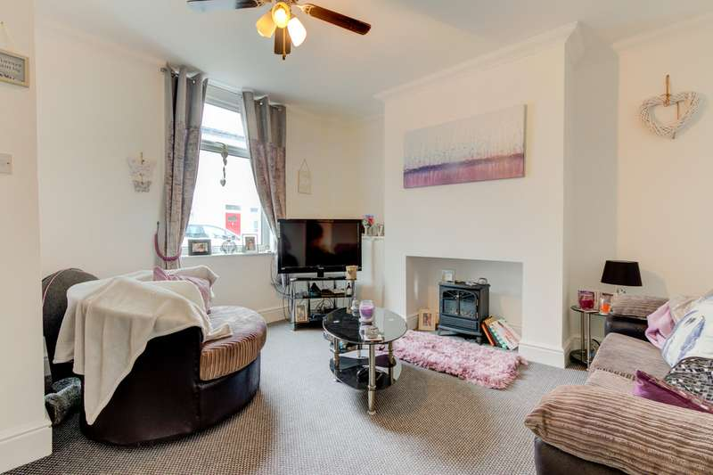 2 Bedrooms Terraced House for sale in Hapton Street FY5
