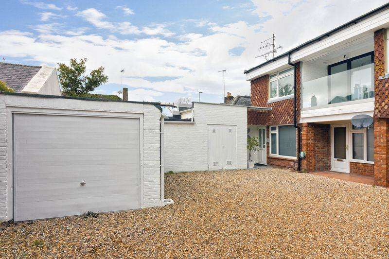 2 Bedrooms Apartment Flat for sale in Preston Hall Mews, East Preston