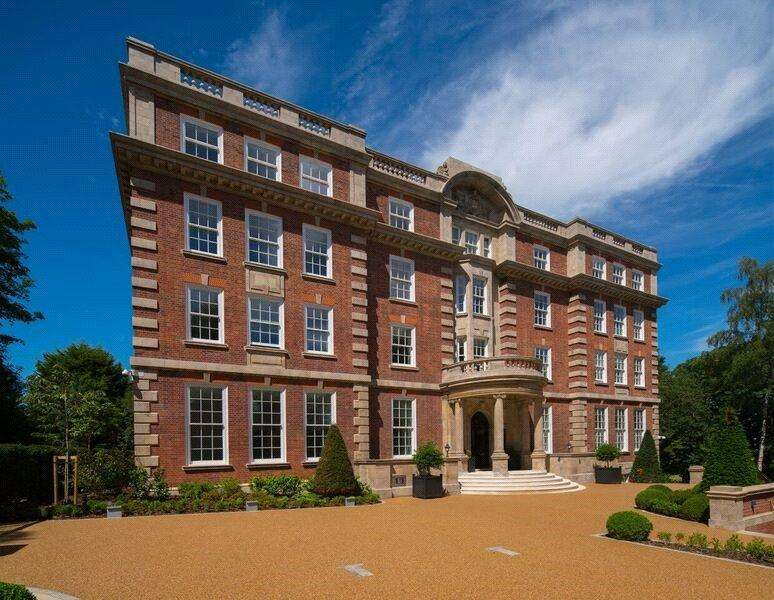 3 Bedrooms Flat for sale in Furnival House, 50 Cholmeley Park, London, N6