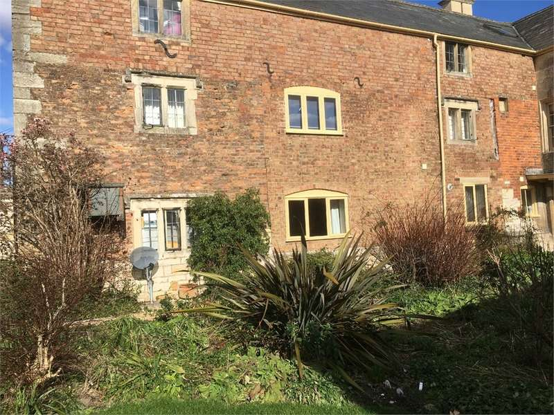 1 Bedroom Flat for rent in High Street, Stonehouse